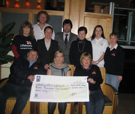 Garryvoe Hotel management, lifeboat fundraising committee