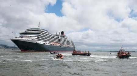 RW-RNLI New Brighton - 3 Queens-1060713-Large